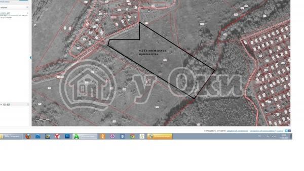 <li> Расстояние от МКАД: 105 км д. Тетерево <li> Станция: до ж/д станции Тарусская 20 мин на автобусе  <li> Местность: д.Тетерёво  <li> Участок: 6,2 Га - земля с/х назначения <li> Газификация: по границе участка  <li> Электроэнергия: по границе участка  <li> Водоснабжение: капают колодцы и бурят скважины  <li> Лес:участок находится в окружении смешанного леса  <li> Пруд: р.Ока в 2,5км  <li> Подъезд: щебневый
